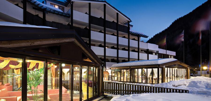 italy_la-thuile_planibel_hotel_exterior2.jpg